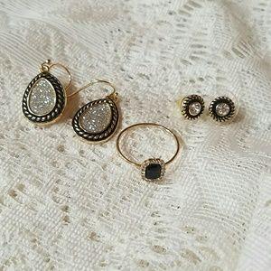 3 Piece Jewelry Set (2 earrings, 1 ring)